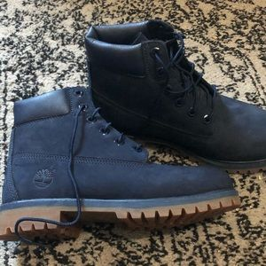 Navy Blue Timberlands 6inch. Classic Boot (NWOT)